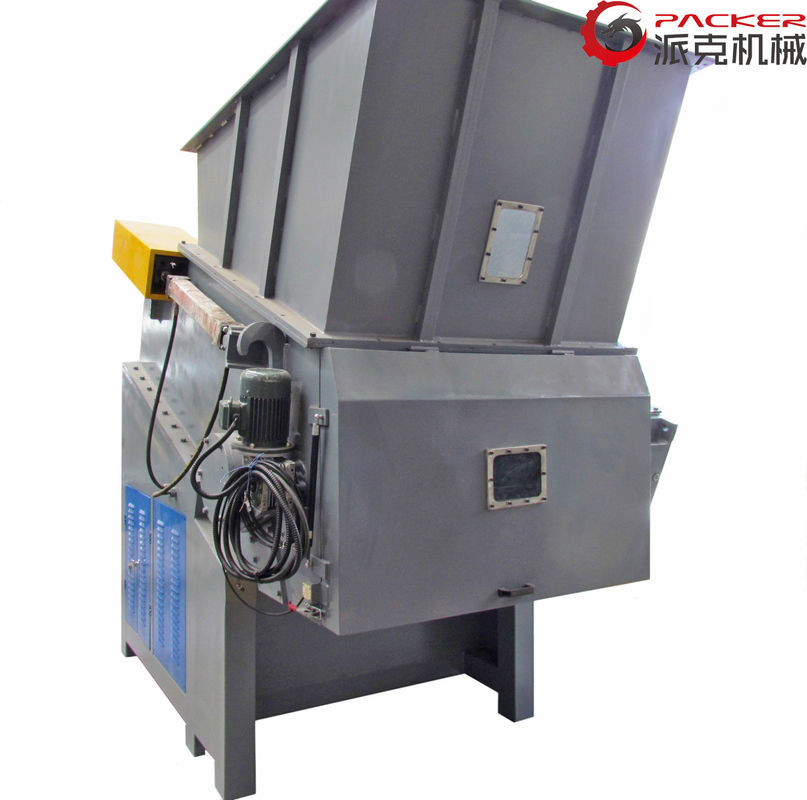 Optional Color Industrial Plastic Shredder 50HZ Hard Materials 75kW Output 1000kg/K